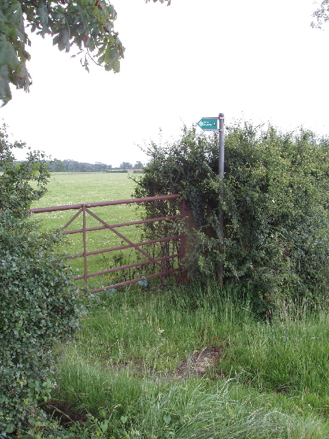 Entrance to bridleway by Silverstone