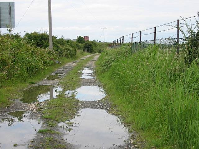 Track running parallel with the A256 Sandwich bypass