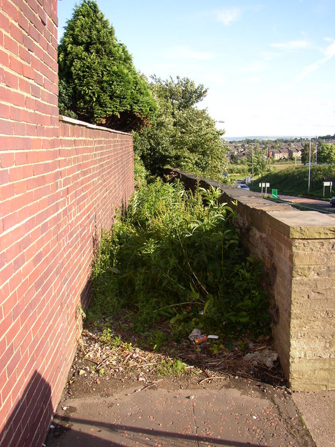 Footpath parallel to Huddersfield Road, Fixby