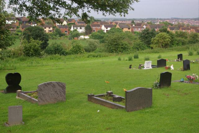 Wellingborough Road Cemetery, Irthlingborough