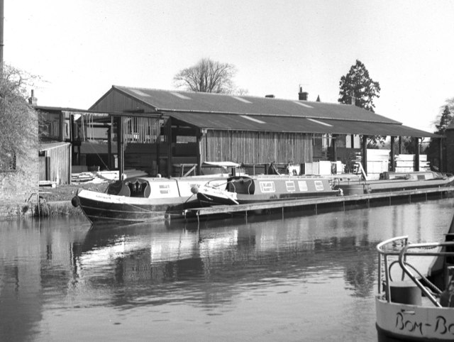 Canal basin, Market Harborough, with timber yard