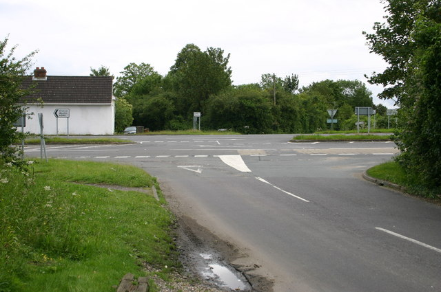 Appleshaw road junction with A342