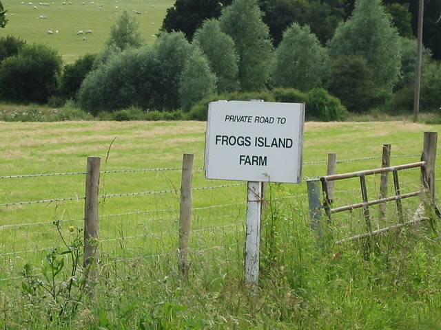 Frogs Island Farm sign