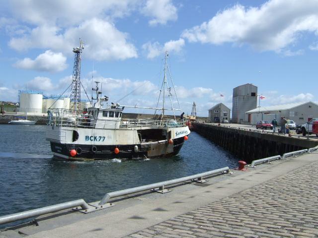 BCK77 docking in Lower Poultneytown inner harbour.