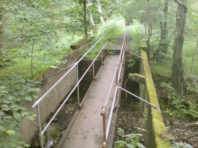 Footbridge above the fall