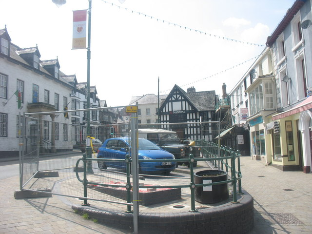 The Owain Glyndwr Hotel and Corwen Square