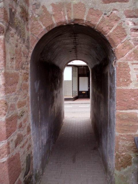Arch in Manse Close, Kirriemuir