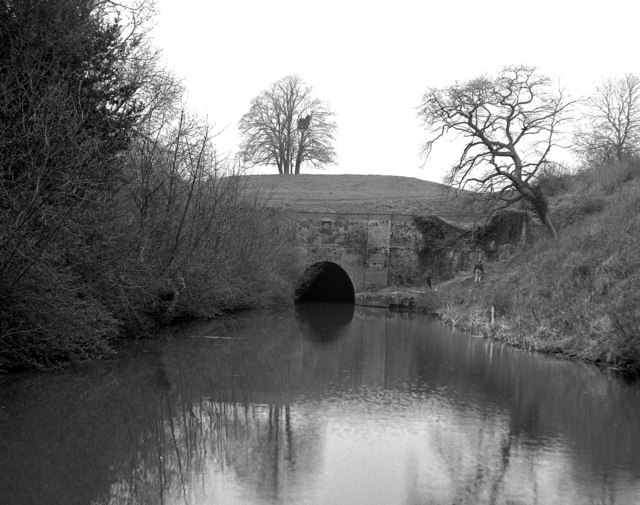 Crick Tunnel, North Portal, Grand Union Canal