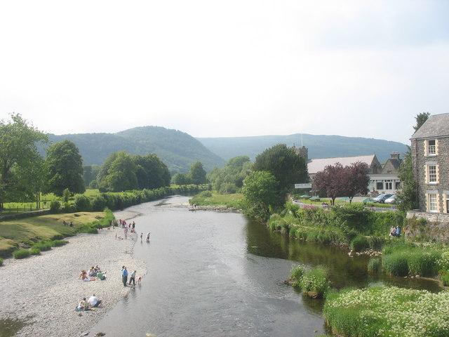 Paddling in Afon Conwy