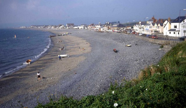 Borth sea front