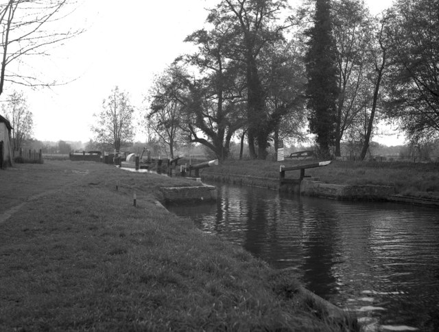 Worsfold Gates, River Wey, from below