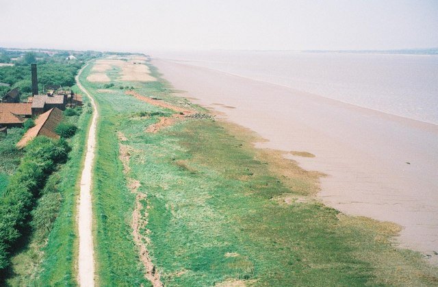Straight shore of the Humber