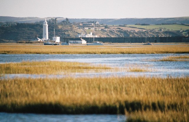Keyhaven: sheltered by the spit