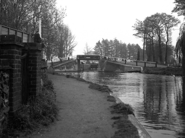 Pyrford Lock, Wey Navigation, Surrey