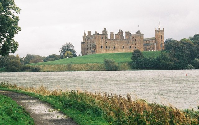 Linlithgow: loch, palace, church