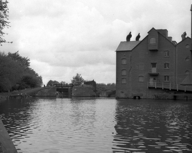 Coxes Lock and Mill, Wey Navigation