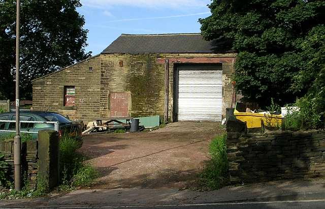 Old Barn near Woodhall Hills