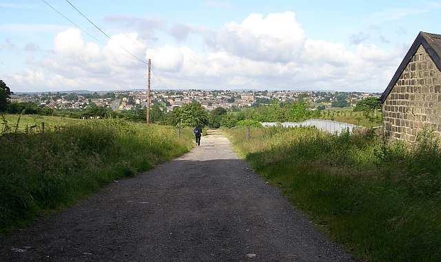 Priesthorpe Road looking towards Fagley