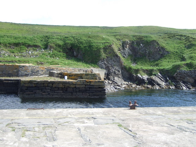 Entrance to Lybster harbour from Lybster Bay
