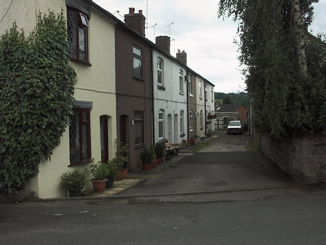 Traditional terrace off Dilhorne Road