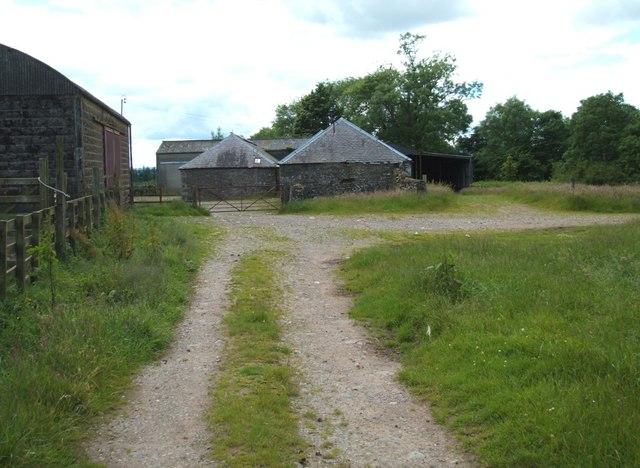 Wester Lundie Farm Buildings