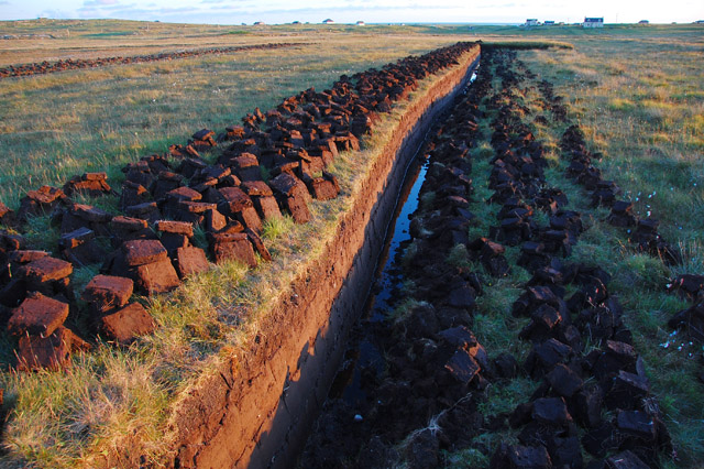 Peat cutting by the B888
