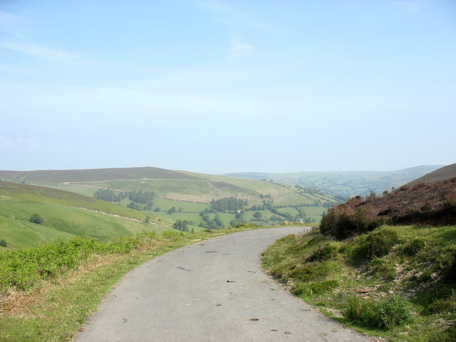 Looking back to the final bend in the climb up from Glyndyfrdwy