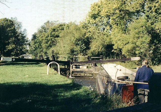 Sulhamstead Lock - No.100 - Kennet & Avon Canal 2004