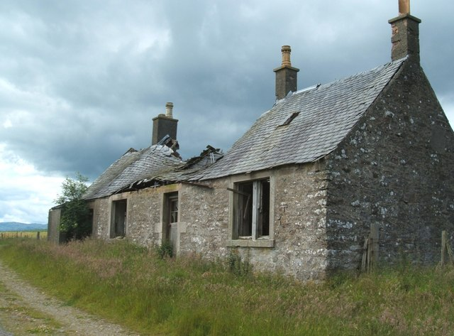 Ruined Wester Lundie Farmhouse