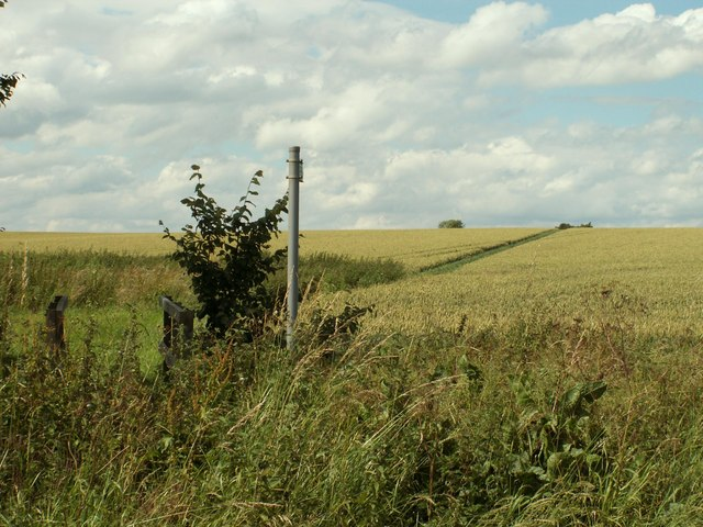 Public footpath to Pidley church