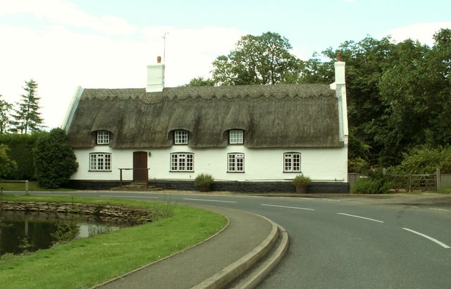 Thatched cottage at Woodhurst