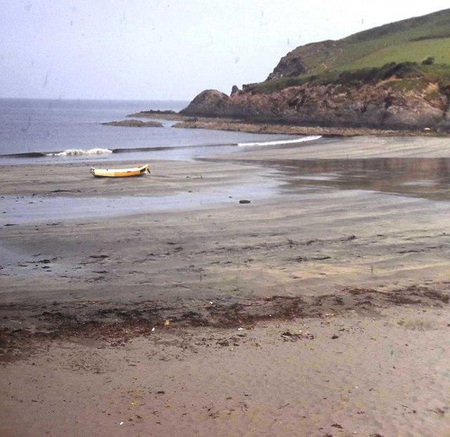 Beach at Pwllgwaelod