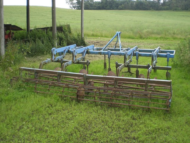 Disc cultivator for use on stubble
