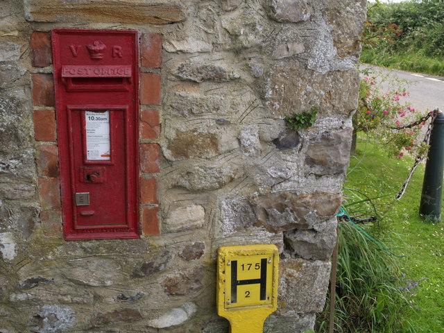 Victorian postbox, Crock Street