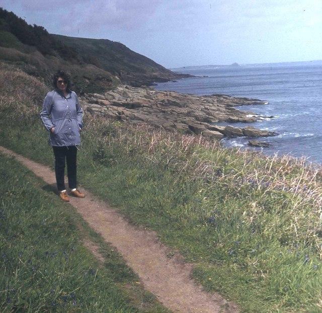 Coast path at Kemyel Point