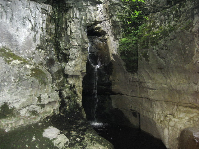 Cow Dubs Waterfall, Ease Gill