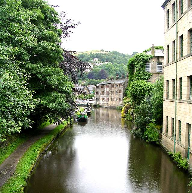 Rochdale Canal from Station Road