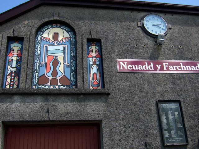 Neuadd y Farchnad/Market Hall