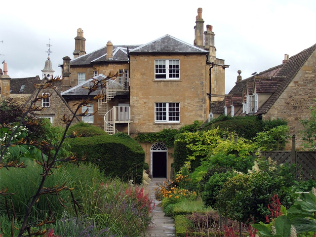Rear view of Cotswold House Hotel