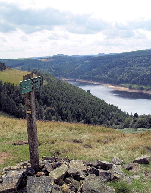 Footpath sign to Strines Upper Derwent