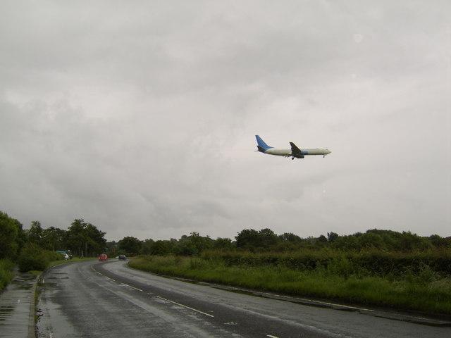 Plane landing over Greenock Road