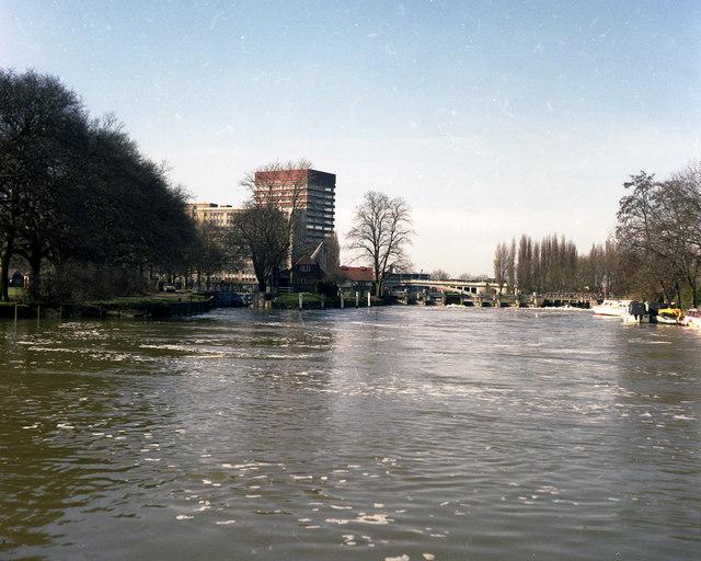 River Thames, below Caversham Lock