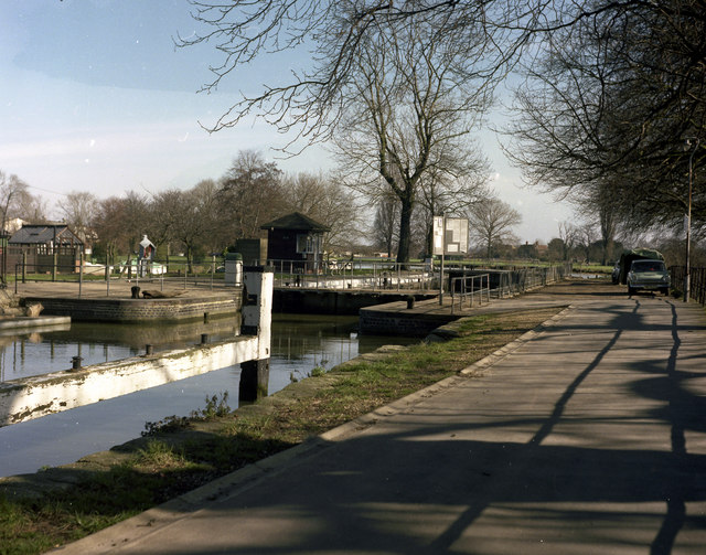 Caversham Lock, River Thames