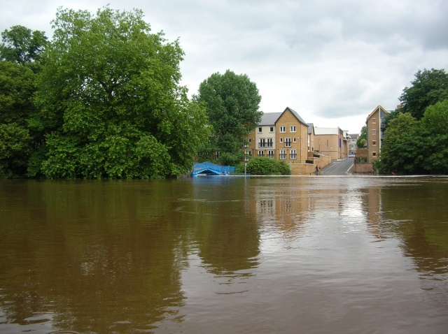 Confluence in flood