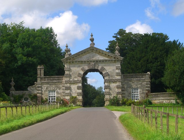 Arch into Fonthill Park
