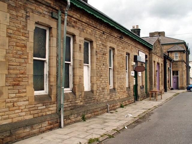 Penistone Station buildings