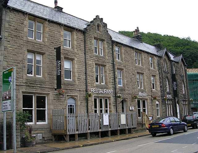 Moyles Hotel & Restaurant - New Road