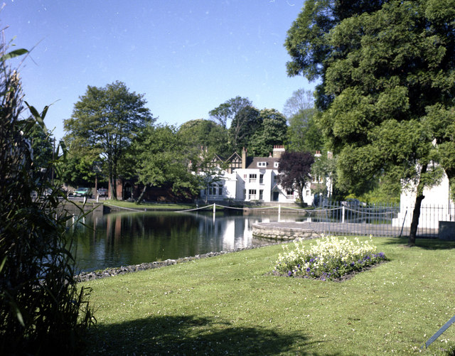Carshalton West Pond and 'Honeywood'