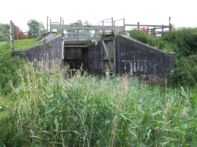 Disused Lock at  Welches Dam