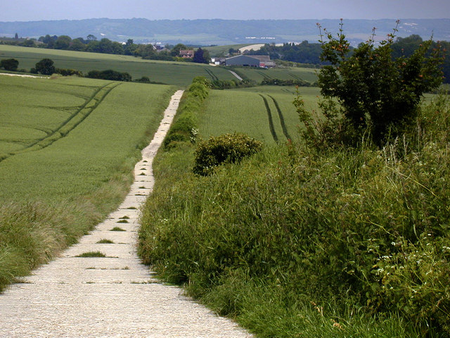 Track leading to Park Farm from Coldrum Long Barrow